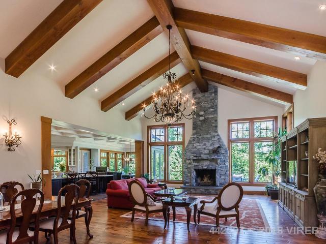Timber frame home Nanaimo