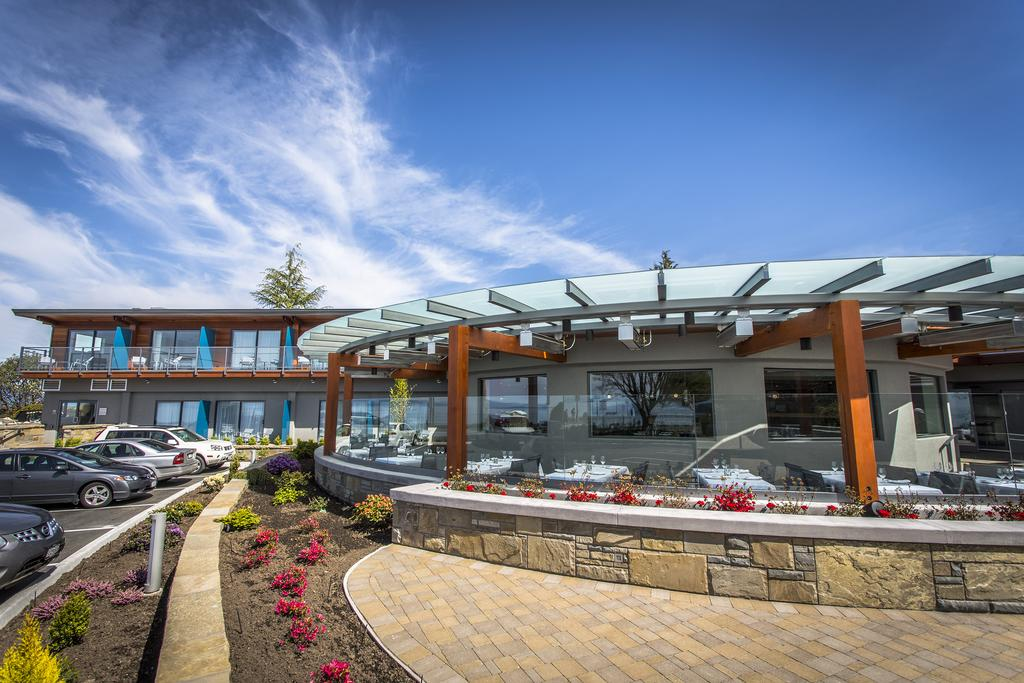 Qualicum Beach Patios