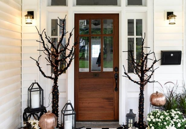 Yes, you can still decorate for Halloween – and be selling your home.