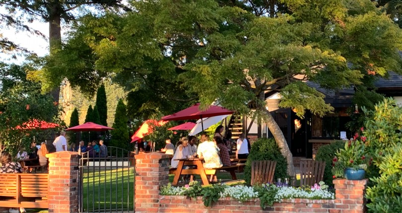 August Blog – The Charlie Parker Team's 10 Favourite Summer Patios in Nanaimo!